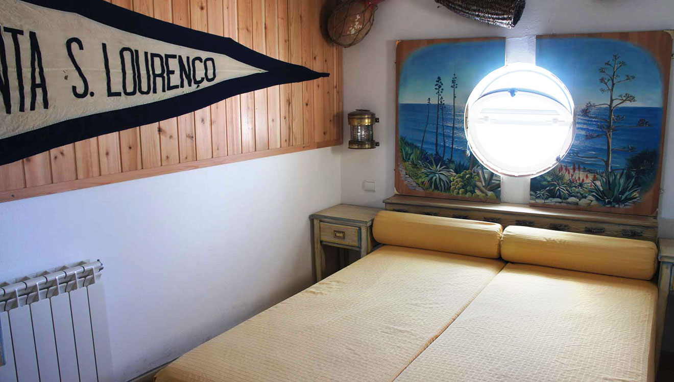the boat villa's bedroom